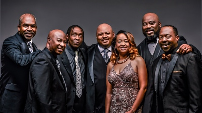 Soul Expressions promotional photo formal with the entire band no instruments